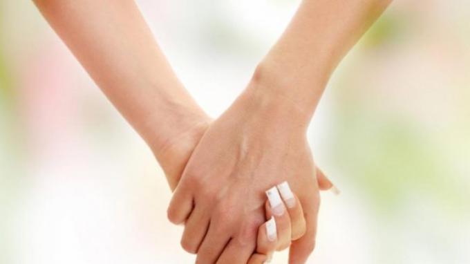 Akad Nikah Batal, Gara-gara Calon Pengantin Sama-sama Wanita