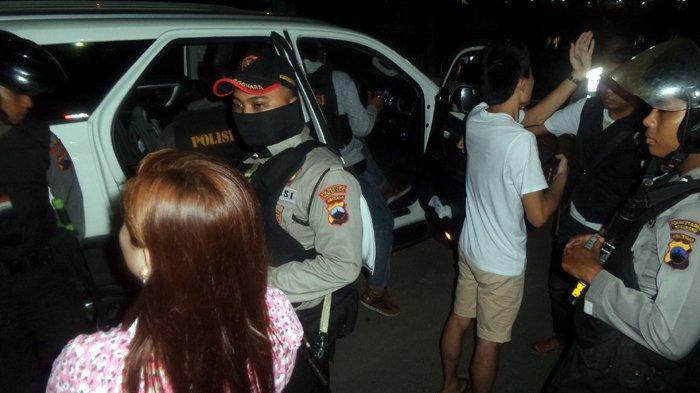 Diduga Mesum, 9 Pasangan Tak Resmi Tertangkap Razia di Hotel, Ada yang Bawa Anak 2 Tahun