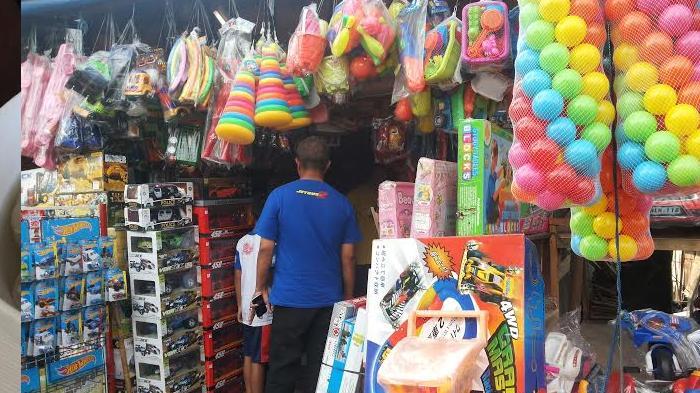 Butuh Mainan Anak-anak? Ingat Pasar Gembrong di Jalan