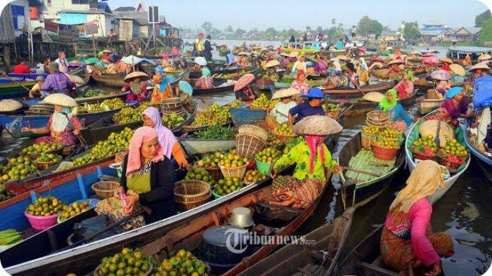 BST Kemensos Bantu Kebutuhan Hidup Pedagang Pasar Terapung Banjar Kalsel