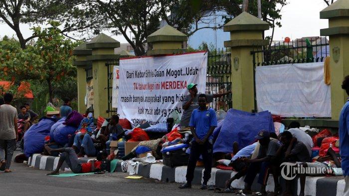 Ratusan Pencari Suaka Masih Bertahan di Jakbar, Pemerintah Pusat Sedang Carikan Lokasi Baru
