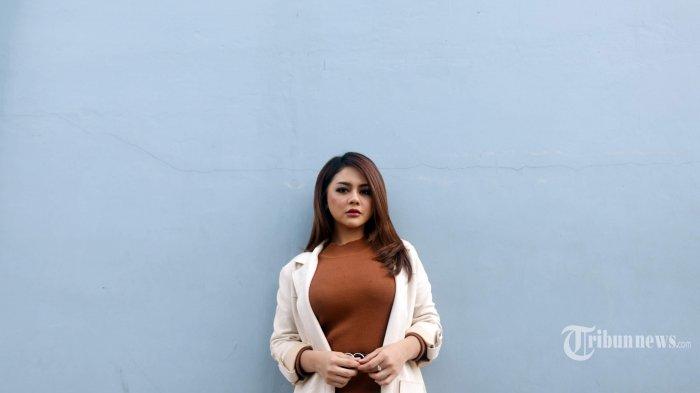 Jenita Janet Pengin Besuk Vicky Prasetyo di Rutan Salemba