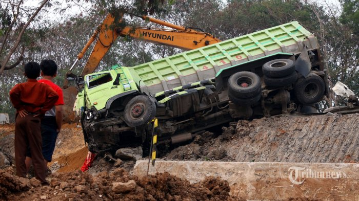 Meninggal, Status D Sebagai Tersangka Kecelakaan di Tol Cipularang Gugur