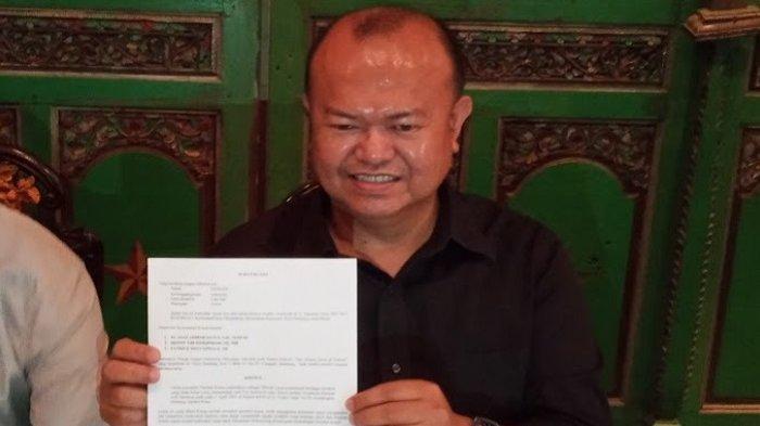 Patrice Rio Capella, SH selaku kuasa Hukum Prof. M saat ditemui di Kawasan Menteng, Jakarta Pusat, Selasa, (6/4/2021).