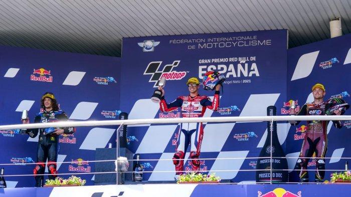 Momen Kemenangan Pebalap Federal Oil Gresini Juara di Moto2 Spanyol 2021