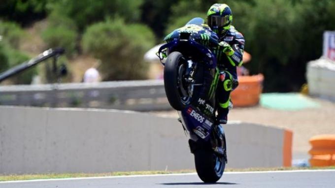 Pebalap Monster Energy Yamaha, Valentino Rossi, beraksi saat kualifikasi MotoGP Spanyol di Sirkuit Jerez, Jerez de la Frontera, Sabtu (18/7/2020).
