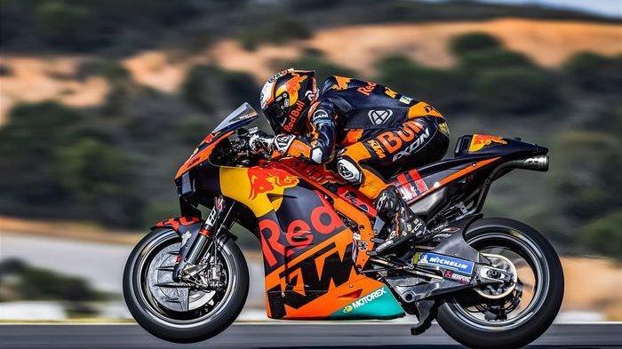 Pebalap Red Bull KTM, Brad Binder, pada balapan MotoGP Portugal di Sirkuit Algarve, Portimao, Portugal, 18 April 2021.