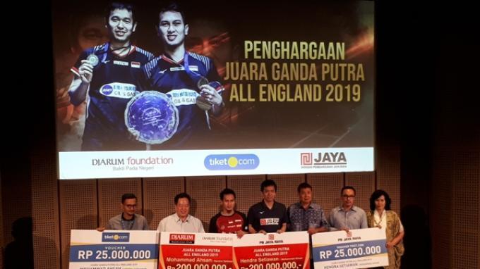 Selain dari Kemenpora, Hendra/Ahsan Juga Diguyur Bonus Juara All England dari Klub Masing-Masing