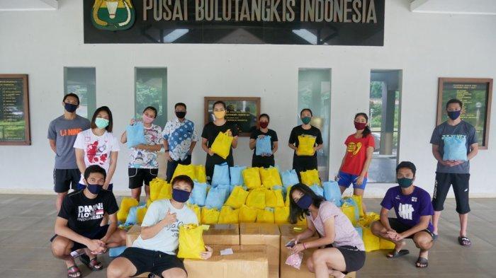 Pebulutangkis Pelatnas Cipayung Sumbang Sembako ke Masyarakat Terdampak Covid-19