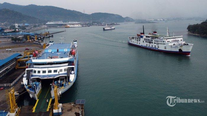 Sehari Jelang Larangan Mudik, ASDP Merak Operasikan 29 Kapal Roro