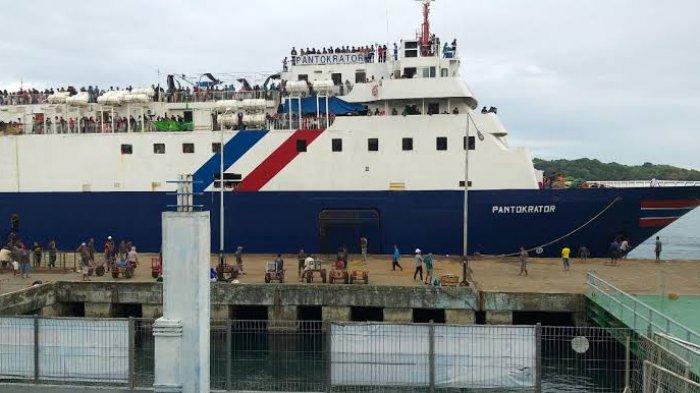 Syahbandar Parepare Ingatkan Penumpang Kapal untuk Selalu Mematuhi Protokol Kesehatan