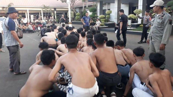 Polisi Kembalikan 68 Pelajar yang Hendak Ikut Demo di Gedung DPR RI ke Orangtua Masing-masing