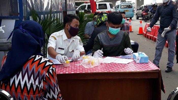 Kurang dari Lima Menit, Warga Antusias Ikuti Tes PCR Gratis di Sumber Artha Kalimalang