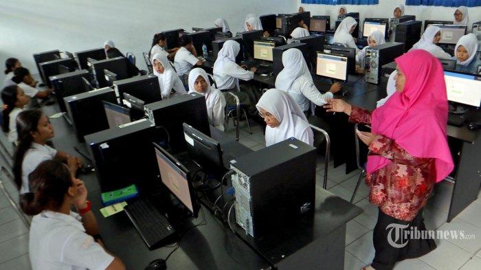 Pemkot Surabaya akan Cairkan Tunjangan Guru Swasta Sebesar Rp 1 Juta