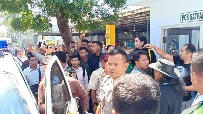 Pelaku penembakan di Universitas Bandar Lampung (UBL) masih diamankan di pos satpam kampus setempat. Tribun Lampung/Beni Yulianto