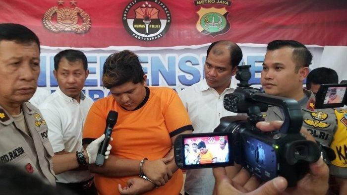 Siswi SMP Diperkosa Sopir Angkot: Diawali Sok Kenal, Akhirnya Tersangka Menangis di Kantor Polisi
