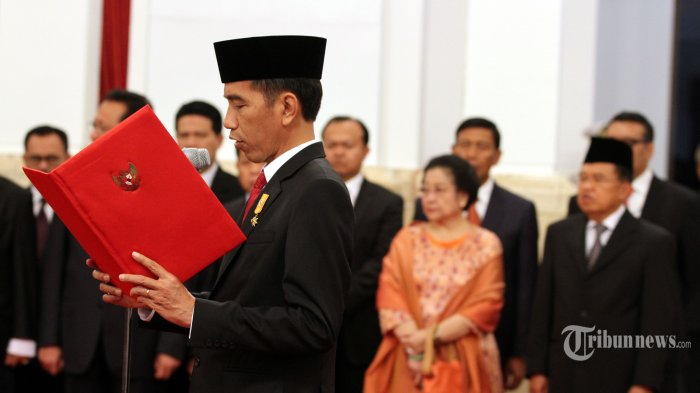 Megawati Minta Perppu untuk Risma, Jokowi Menolaknya