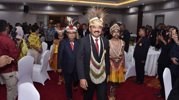 Panglima TNI selaku Ketua Umum PB Forki, Marsekal Hadi Tjahjanto melantik pengurus Federasi Olahraga Karate-Do Indonesia (FORKI) Papua masa Bakti 2018 - 2022, Rabu (27/11/2019) di Sunny Garden Lake Hotel Sentani Jayapura.