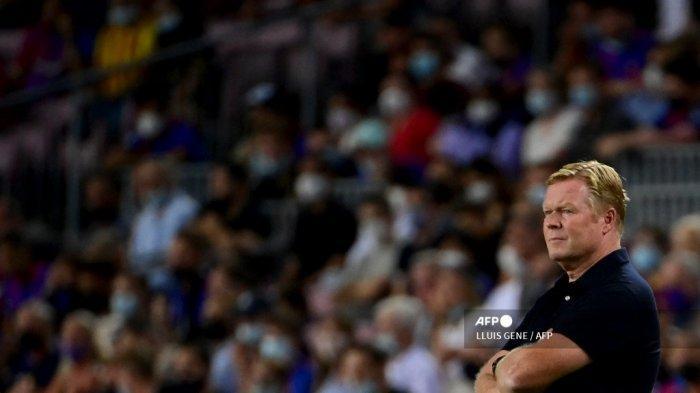 Pelatih Barcelona asal Belanda Ronald Koeman di pinggir lapangan
