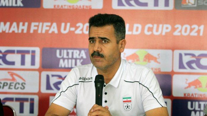 Pelatih Iran U19, Seyed Akbar Pour Mousavi. (PSSI.org)