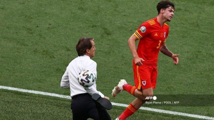 Serba-serbi EURO 2020 - Roberto Mancini Pamer Skill Sisa Kejayaan di Laga Italia vs Wales
