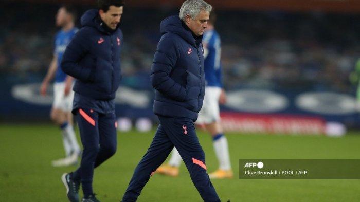 Tottenham Hotspur Dinilai Konyol Jika Berani Pecat Jose Mourinho Sekarang