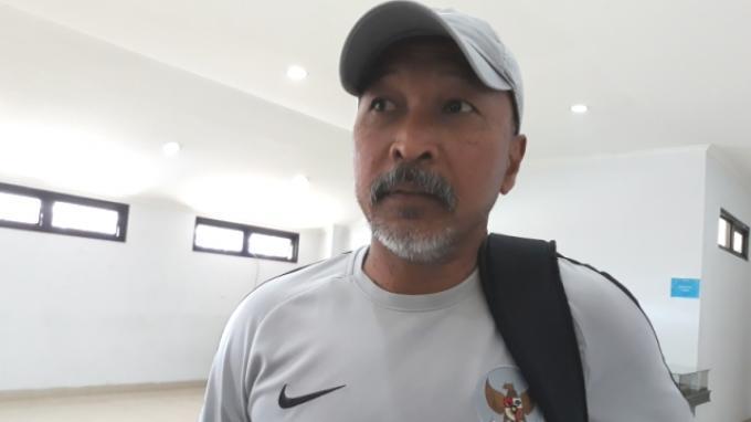 Pelatih kepala Timnas U-19 Indonesia, Fakhri Husaini saat ditemui di Stadion Pakansari, Bogor, Jumat (1/11/2019).