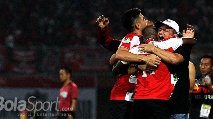 Kabar Liga 1 - Respons Gomes de Oliveira saat Diisukan jadi Pelatih Arema FC
