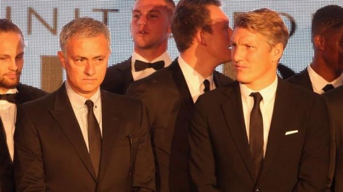Ketika Mourinho dan Schweinsteiger Akhirnya Berpose Bersama