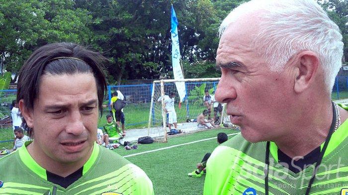 Pelatih Persib Bandung Dapat Teguran Keras dari PSSI, Apa Kata Sang Asisten?