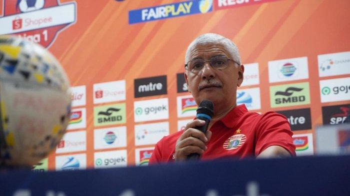 Pelatih Persija Jakarta, Edson Tavarez, dalam konferensi pers jelang laga melawan PSS Sleman di pekan ke-24 Liga 1 2019, Rabu (23/10/2019).