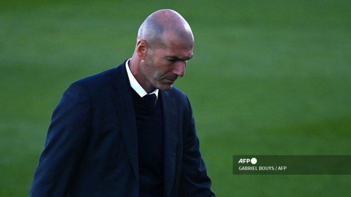 Pelatih Prancis Real Madrid Zinedine Zidane bereaksi selama pertandingan sepak bola Liga Spanyol antara Real Madrid dan Elche di stadion Alfredo Di Stefano di Valdebebas, timur laut Madrid, pada 13 Maret 2021. GABRIEL BOUYS / AFP