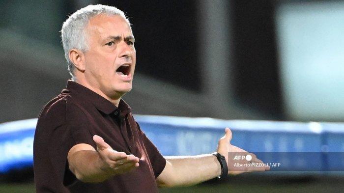 Transfer AS Roma, Daftar Pemain Masuk-Keluar, Mou Tolak Donny Van de Beek, Kecewa Dzeko ke Inter