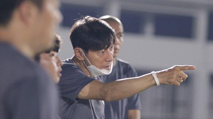 Pelatih timnas Indonesia, Shin Tae-yong, sudah memimpin sesi latihan pada Jumat (7/5/2021).