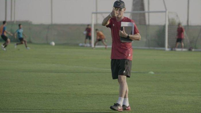 Pelatih Timnas Indonesia, Shin Tae-yong, mememimpin pemusatan latihan Timnas Indonesia di Dubai, Uni Emirat Arab (UEA).