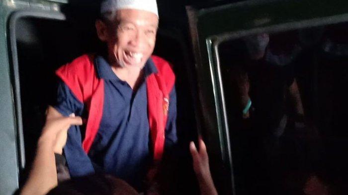 Pelawak Nurul Qomar saat dieksekusi Kejaksaan Negeri Brebes menuju Lapas Kelas IIB Brebe, Rabu (19/8/2020). (KOMPAS.com/Tresno Setiadi)