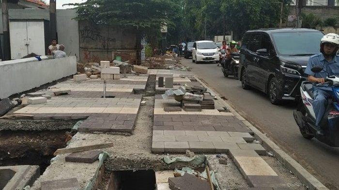 Pelebaran pedestrian di kawasan Kemang, Jakarta Selatan