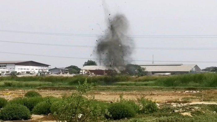 Detik-detik Densus 88 Ledakan Bom Rakitan Milik Terduga Teroris Cilincing