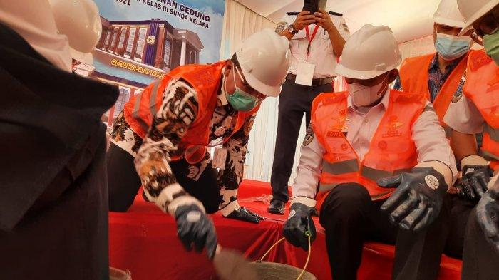 Dirjen Hubla Lakukan Peletakan Batu Pertama Pembangunan Gedung Layanan Publik KSOP Sunda Kelapa