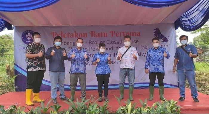 Peletakan Batu Pertama Teaching Farm Closed House Hibah dari Charoen Pokphand Indonesia ke IPB