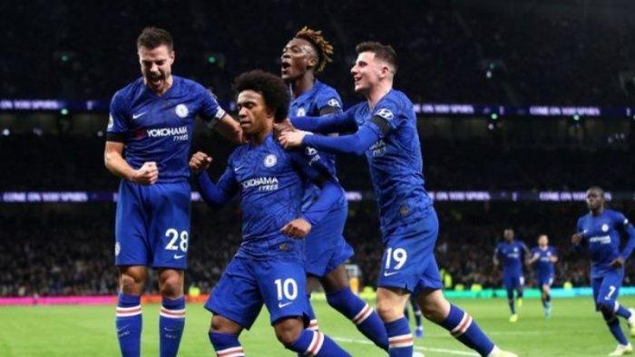Pemain Chelsea usai jebol gawang Tottenham Hotspur