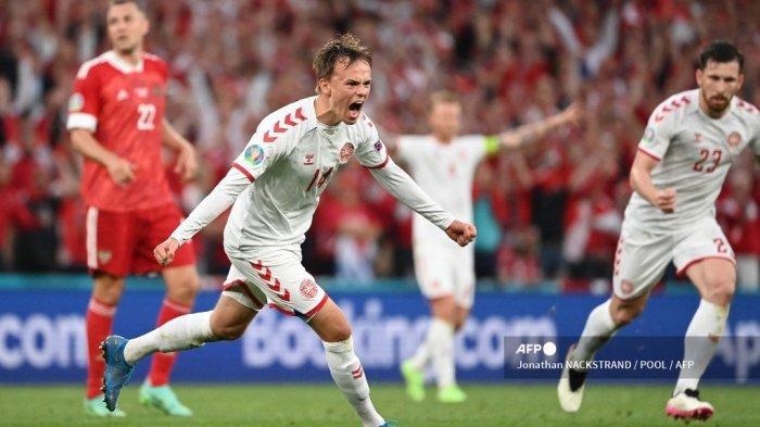 SKOR Rusia vs Denmark Euro 2020 Babak I: Lengkungan Indah Damsgaard Bikin Tim Dinamit Unggul 1-0