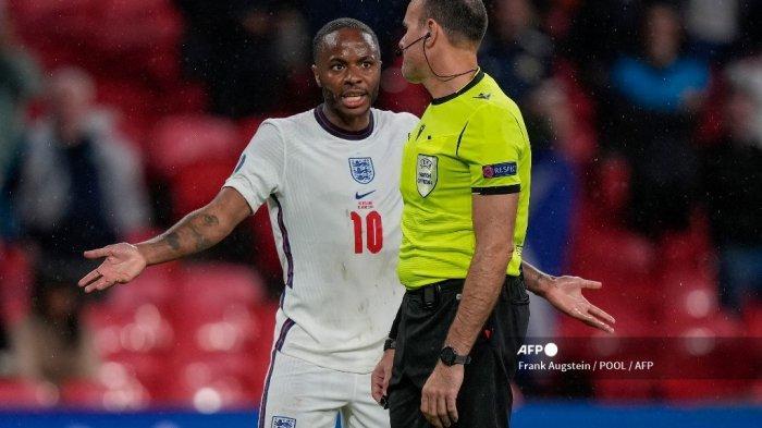 Hasil Inggris vs Skotlandia Euro 2020, Kontroversi Sterling & Robertson Warnai Skor Imbang Tanpa Gol
