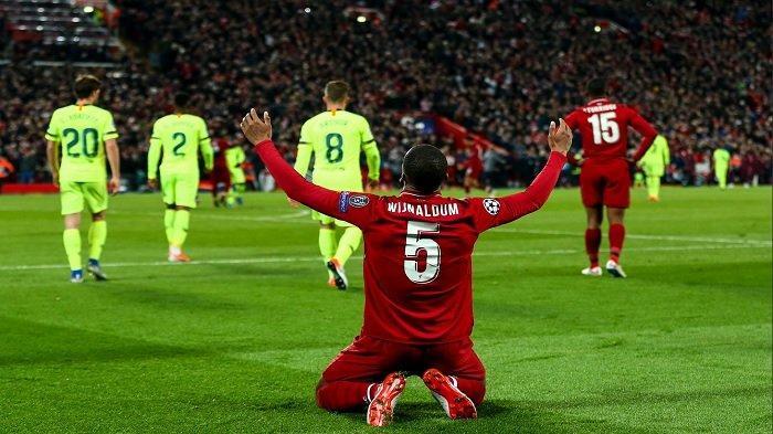 Pemain Liverpoool, Wijnaldum merayakn gol ke gawang Barcelona