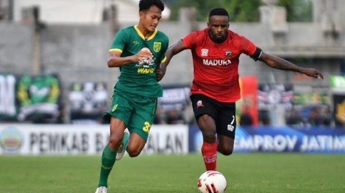 Bek Muda Persebaya Surabaya dapat Masukan dari Pelatih TImnas Indonesia, Shin Tae-yong