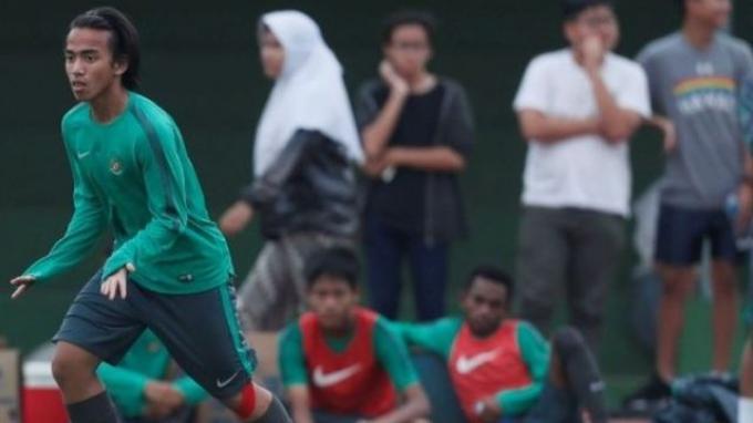 Pemain muda Rafid Habibie saat menjalani seleksi tahap kedua timnas U-18 Indonesia.
