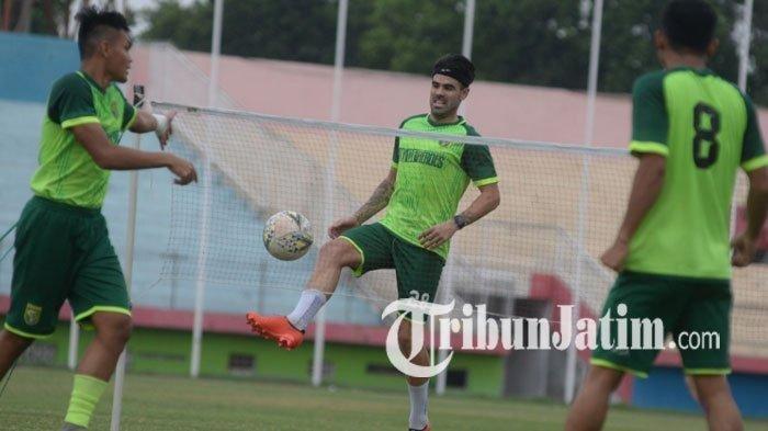 Pemain Persebaya Surabaya, Aryn Williams saat latihan Persebaya Surabaya pada Kamis (19/12/2019).