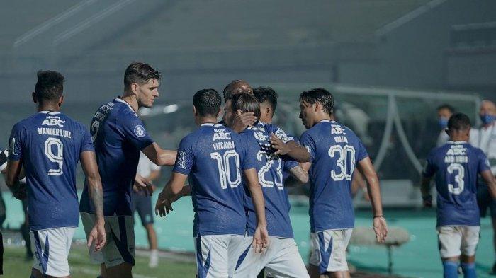 Pemain Persib Bandung merayakan kemenangan atas Barito Putera dalam pertandingan pekan perdana BRI Liga 1 2021.