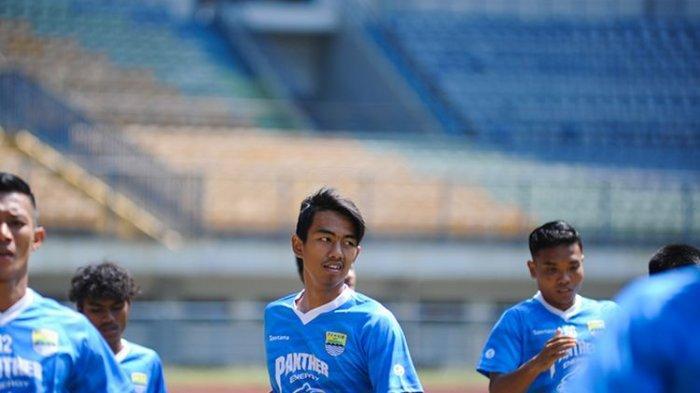 Bek Andalan Garuda Select Punya Kesan Bagus di Mata Pelatih Persib Bandung