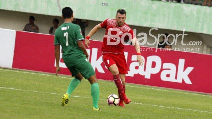 Jelang Berakhirnya Liga 1, Marko Simic Dapat 2 Benda Sakti dari Piala Dunia 2018